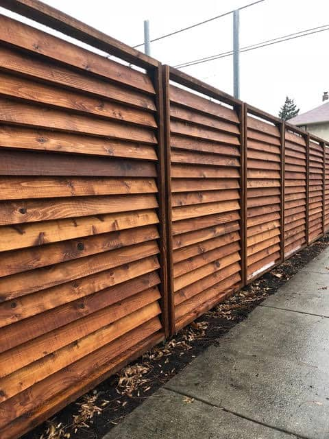 Luvered fence